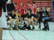 Gabriel et Jérémi au cours du match. Notez l'attention du coach...